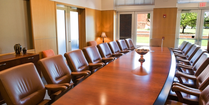 The Barnes Executive Conference Room Is A Formal Meeting Space That Can  Accommodate 18 People At A Large Conference Table. In Addition To Seating  At The ...
